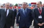 Глава государства Эмомали Рахмон посетил Минский тракторный завод